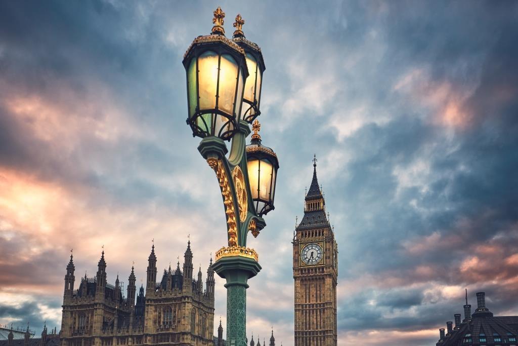 Англия и личен фалит
